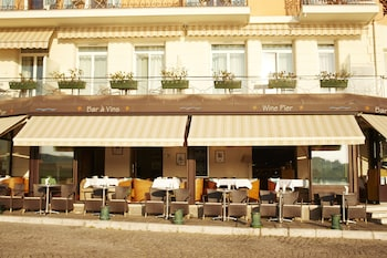 Enter your dates to get the Villefranche-sur-Mer hotel deal