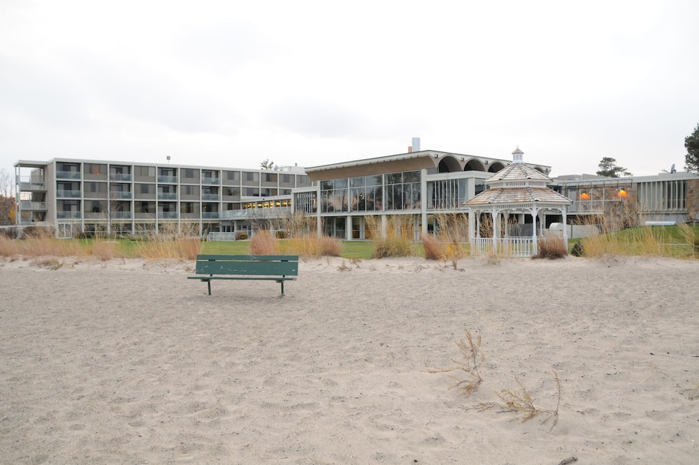 Illinois Beach Hotel & Conference Center, BW Premier Collection