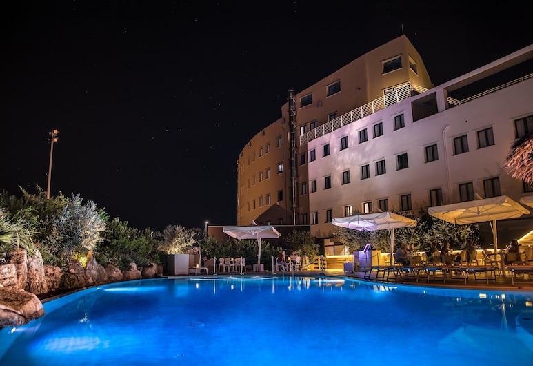 歐爾比亞 SPA 美居酒店, 歐比亞, 室外泳池