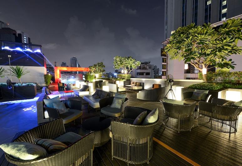 Four Points by Sheraton Bangkok, Sukhumvit 15, Bangkok, Poolbar