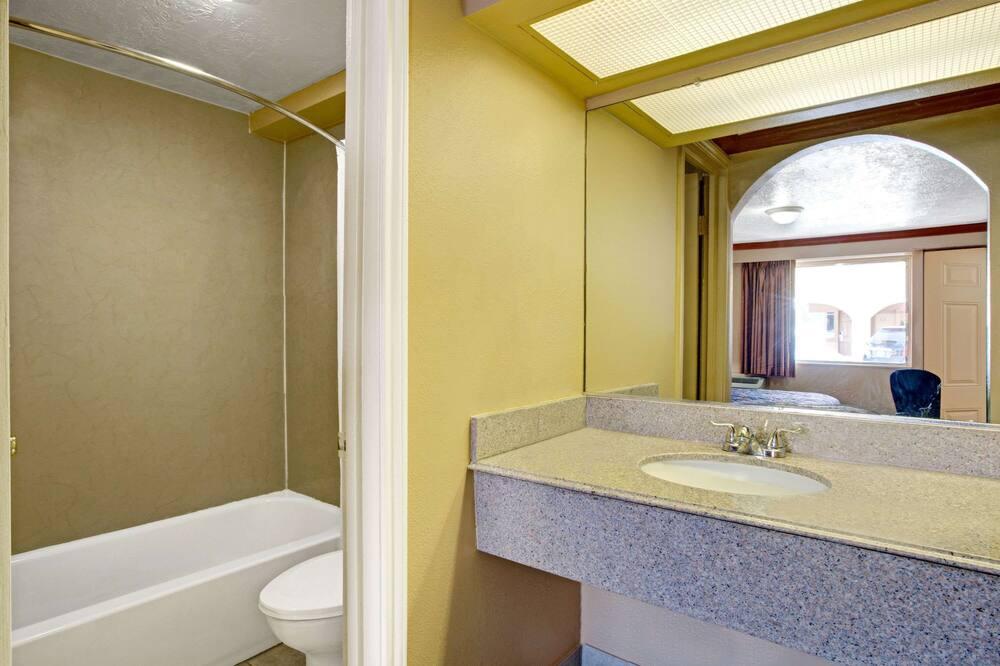 Δωμάτιο, 1 King Κρεβάτι - Μπάνιο