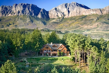 Picture of Lalapanzi Lodge in Cape Town