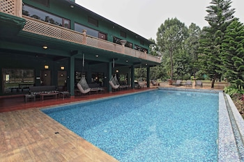 Picture of Corbett Riverside Resort in Garjia