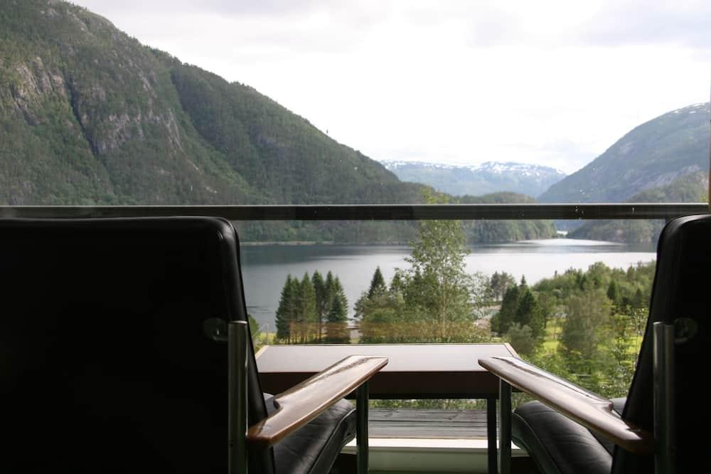 Junior Suite, Lake View - Guest Room