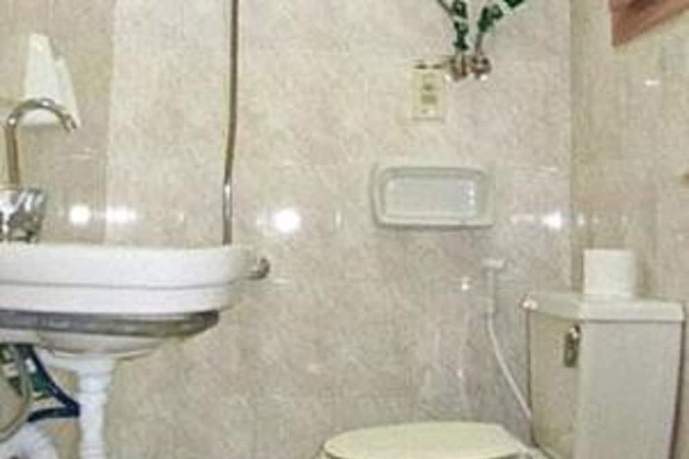 ห้องทริปเปิล, ห้องน้ำรวม - ห้องน้ำ