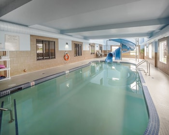 Mynd af Comfort Inn And Suites Sylvan Lake í Sylvan Lake