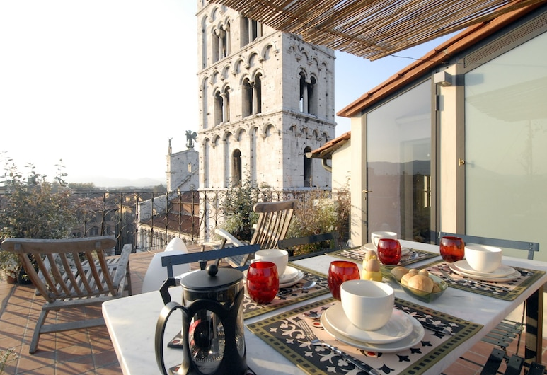 Palazzo Rocchi Bed & Breakfast, Lucca, Superior Apartment, 1 Bedroom, Balcony, Outdoor Dining