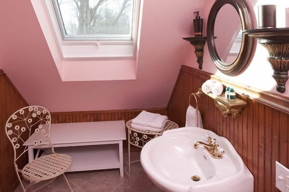 套房, 多張床 - 浴室