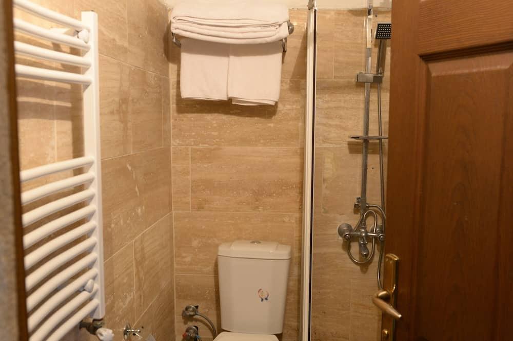 Economy Double Room, Garden Area - Bathroom
