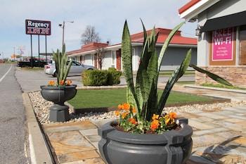 Picture of Regency Inn in Eddyville