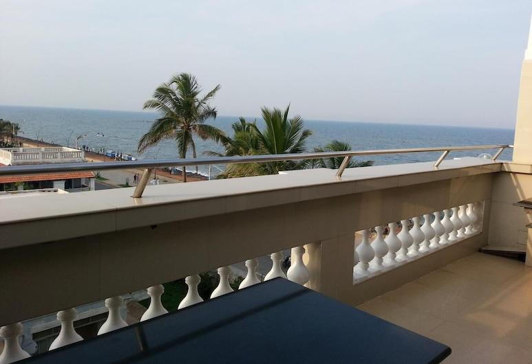 Lotus Bay View Hotel, Pondicherry, Balcony