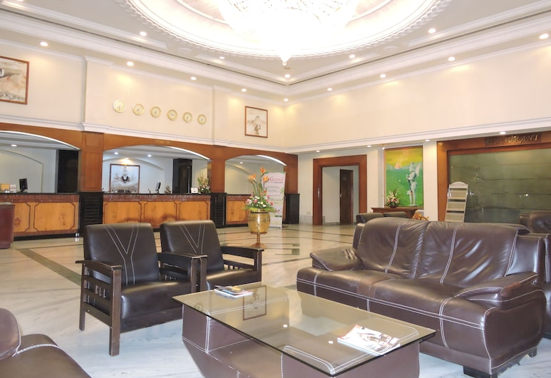Hotel PLR Grand, Tirupati, Salon de la réception