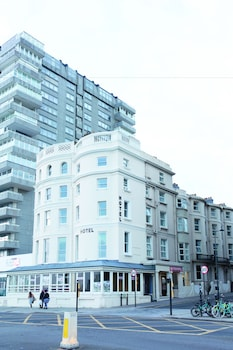 Picture of West Beach Hotel in Brighton