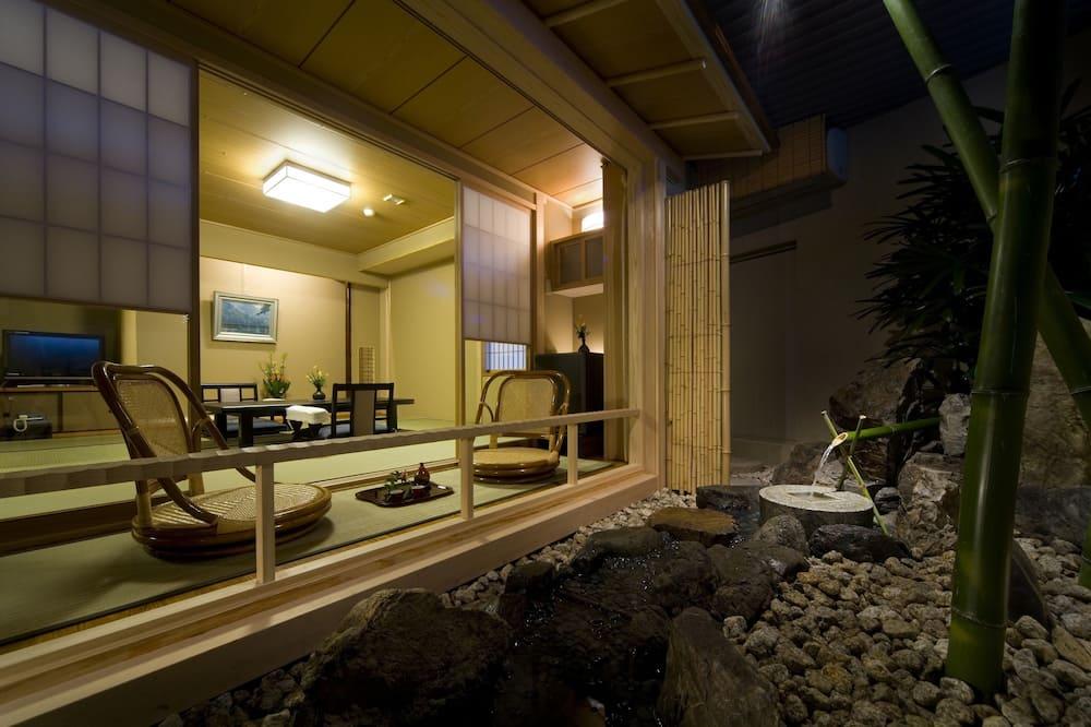 Traditional-Zimmer, Bergblick (8+6 tatami mats, natural hot springs) - Balkon