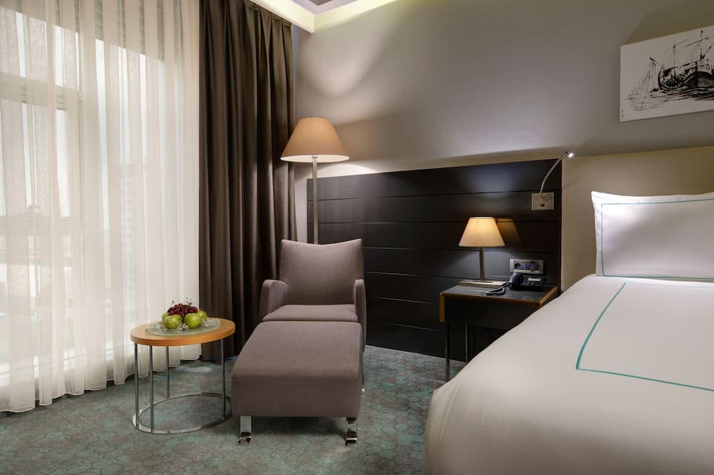 Deluxe Twin Room, 2 Twin Beds - Living Area