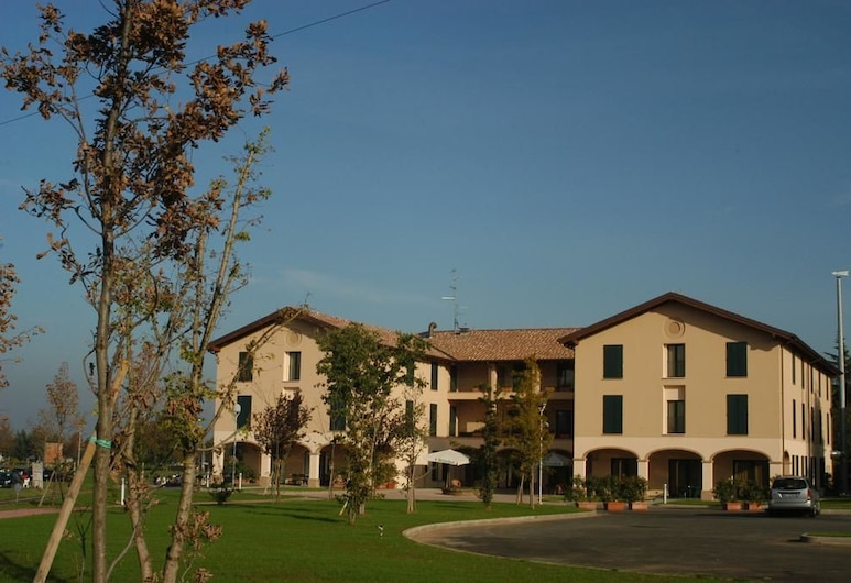 Hotel Conte Verde, Montecchio Emilia, Entrada del hotel