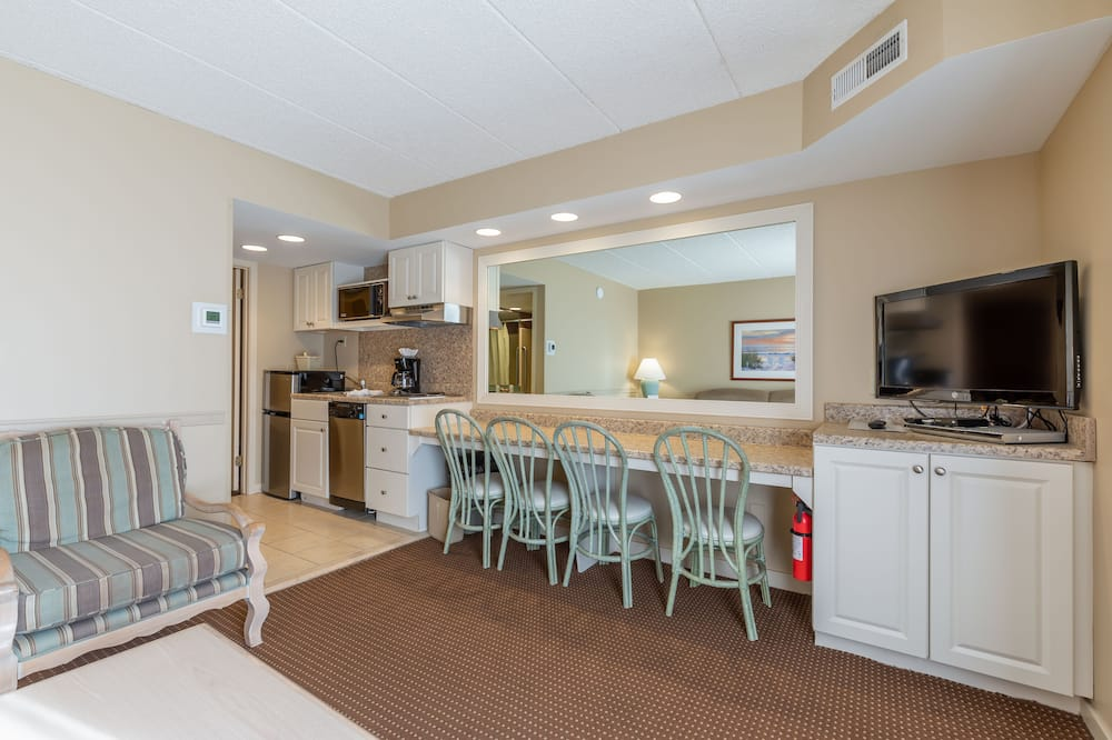 One Bedroom Suite with Living Room - Living Area