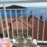 Panoramic Studio Suite - Balcony