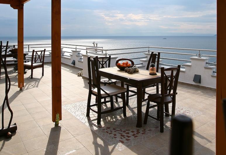 愛琴海浪酒店, 斯寇貝洛斯, 高級開放式客房, 1 張加大雙人床, 城市景, 陽台