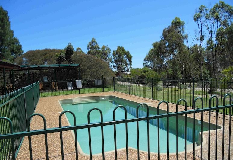兩棵樹鄉村別墅, 波高爾賓, 室外泳池