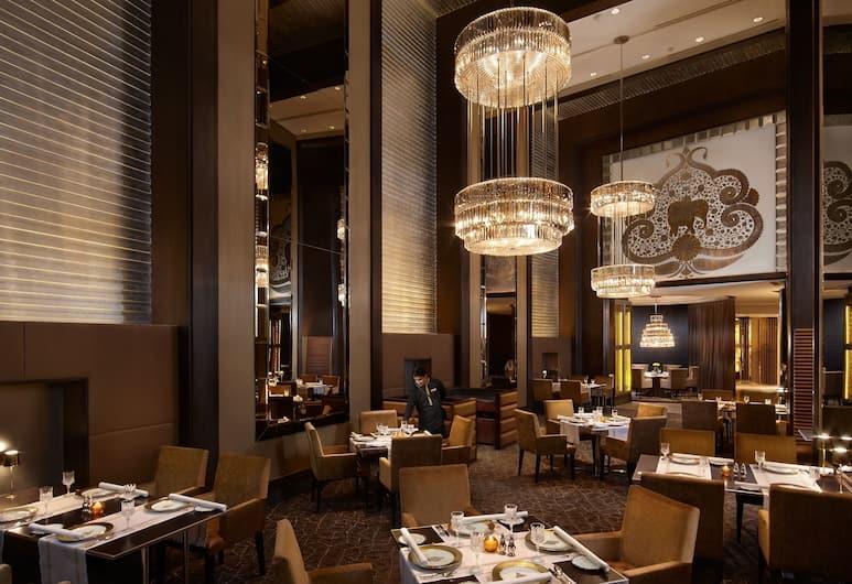 The Leela Palace New Delhi, New Delhi, Restaurant
