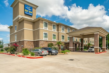 Picture of Rest Well Inn & Suites in Houston