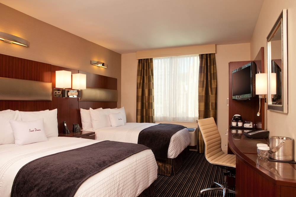 Doubletree By Hilton New York City Financial District Room 2