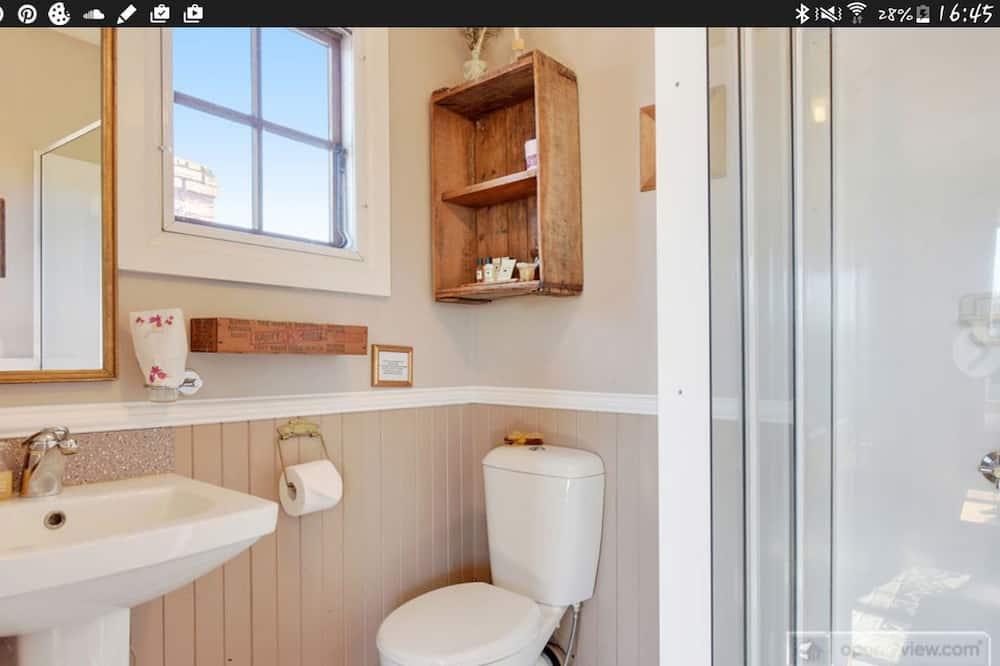 Superior Room, 1 Bedroom, Garden View - Bathroom