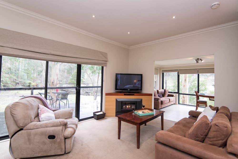 Standard Studio, Non Smoking, Kitchen (Tree Fern) - Living Area