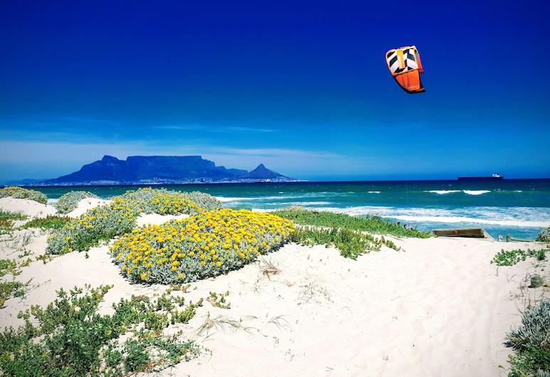 Blouberg Dolphin Inn, Cape Town, Beach