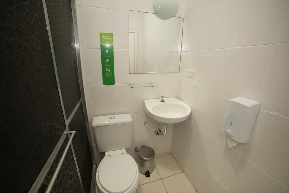 ダブルルーム 専用バスルーム - バスルーム