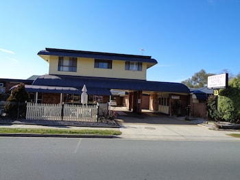 Picture of Parkway Motel in Queanbeyan