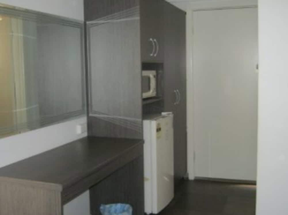 Parkway Motel Queanbeyan Ious Double Room Guest