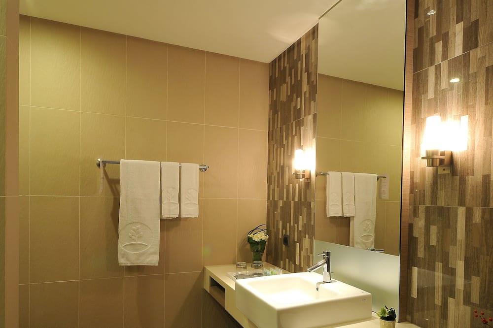 ห้องดีลักซ์สำหรับสี่ท่าน - ห้องน้ำ