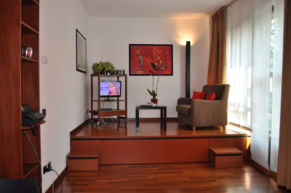 Studio - Area Keluarga