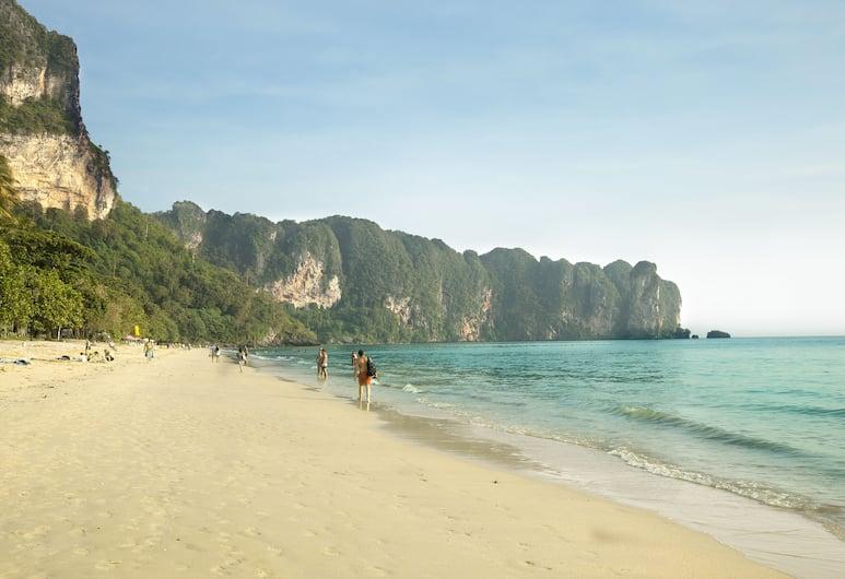 Aonang Villa Resort, Krabi, Strand