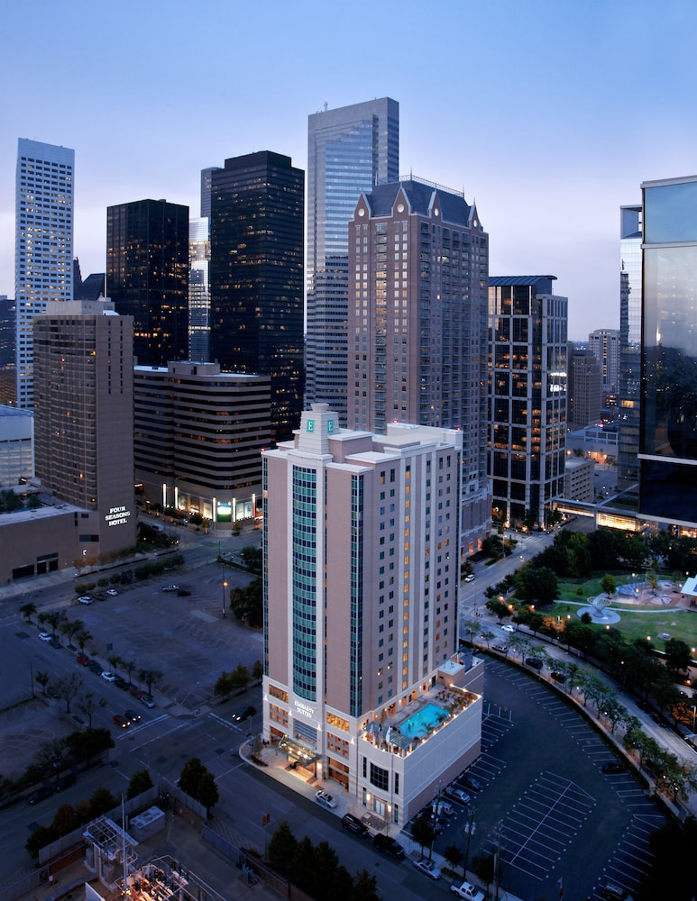 Emby Suites Houston Downtown