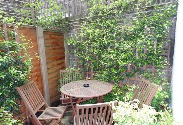 Studios 2 Let Serviced Apartments - Cartwright Gardens, London, Superior tuba, siseõuega, Terrass