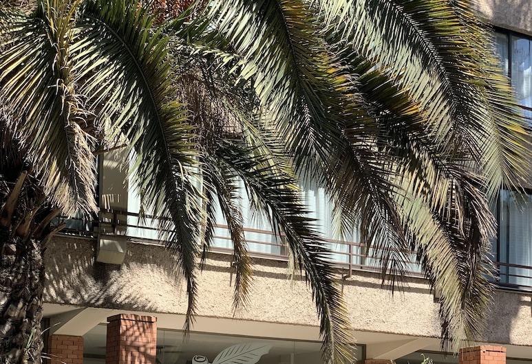 Nogales Hotel & Convention Center, Santiago, Vchod do hotela
