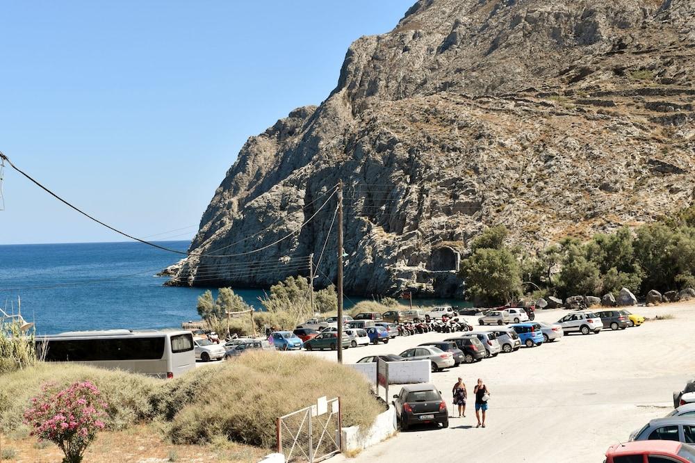 Zacharakis Studios, Santorini