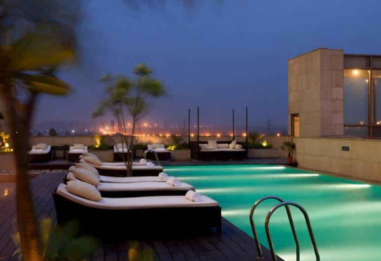 Crowne Plaza Hotel New Delhi Okhla, New Delhi, Piscine en plein air