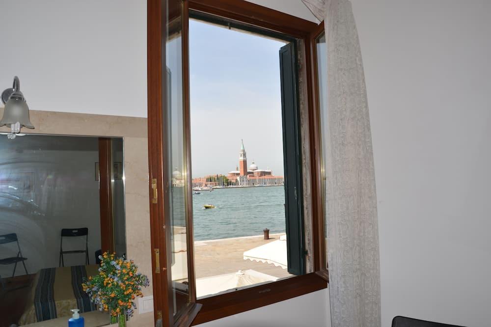 Superior Double Room, Shared Bathroom, Sea View - Balcony