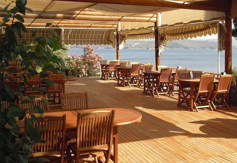 Atamer Hotel, Κίος, Γεύματα σε εξωτερικό χώρο