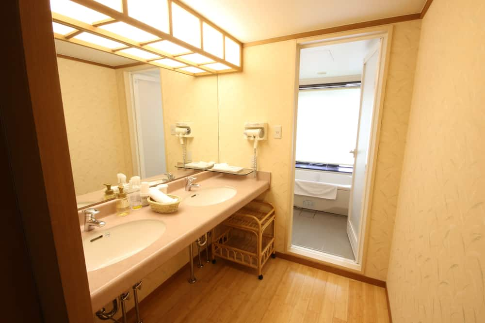 חדר, ללא עישון (Japanese Western) - חדר רחצה