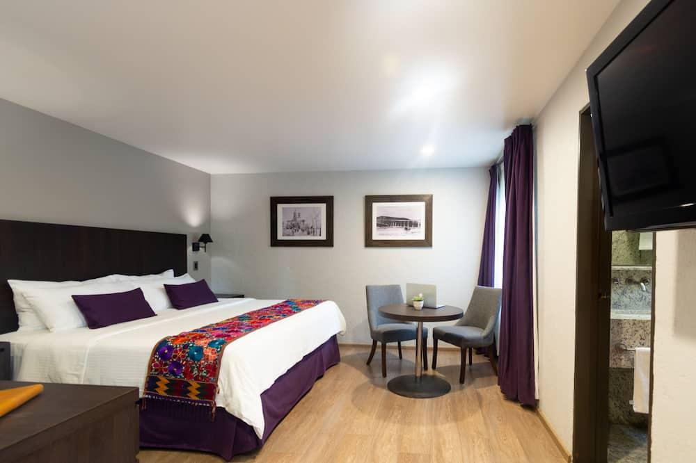 Tradicinio tipo kambarys, 1 labai didelė dvigulė lova - Svečių kambarys
