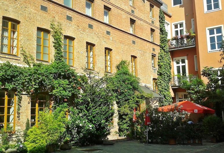 Hotel Fabrik, Βιέννη
