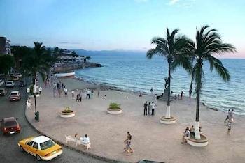 Picture of Suites Plaza del Río in Puerto Vallarta