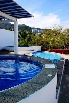 Picture of Suites Plaza del Río in Puerto Vallarta (and vicinity)