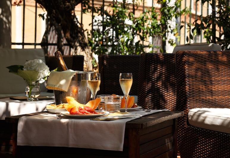 學院馬拉威別墅飯店, 威尼斯, 飯店內酒吧
