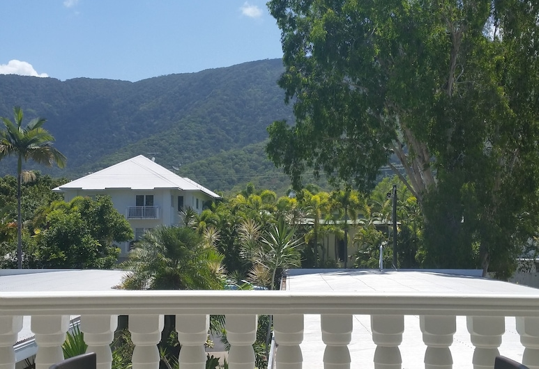 Sarayi Boutique Hotel, Palm Cove, Mountain View One  Bedroom Apartment , Guest Room